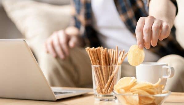 Chips, Soletti & Co.: Knabbergebäck als Corona-Kostbarkeit